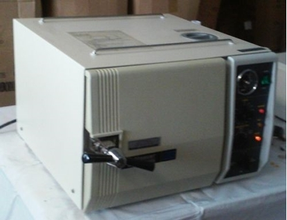 Picture of Reconditioned Tuttnauer 2540M - Manual Autoclave